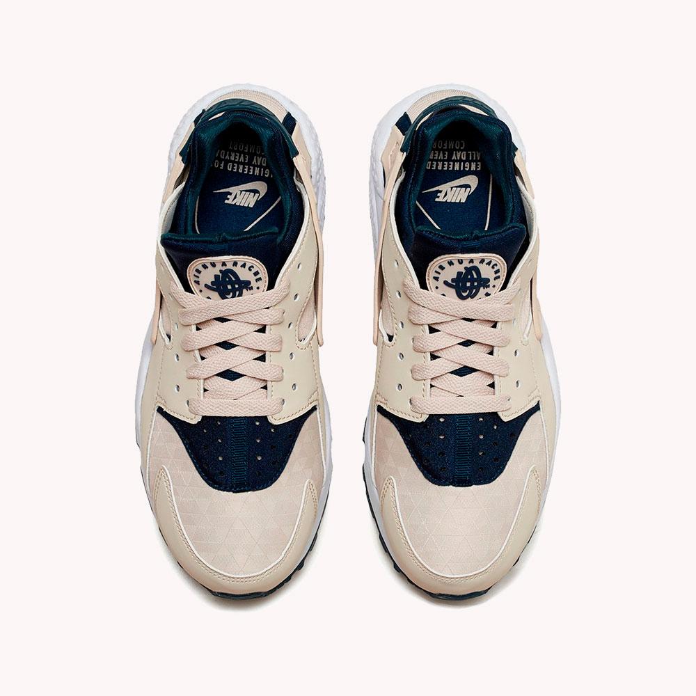 Tenis   Nike® WMNS Huarache Run Beige/ azul
